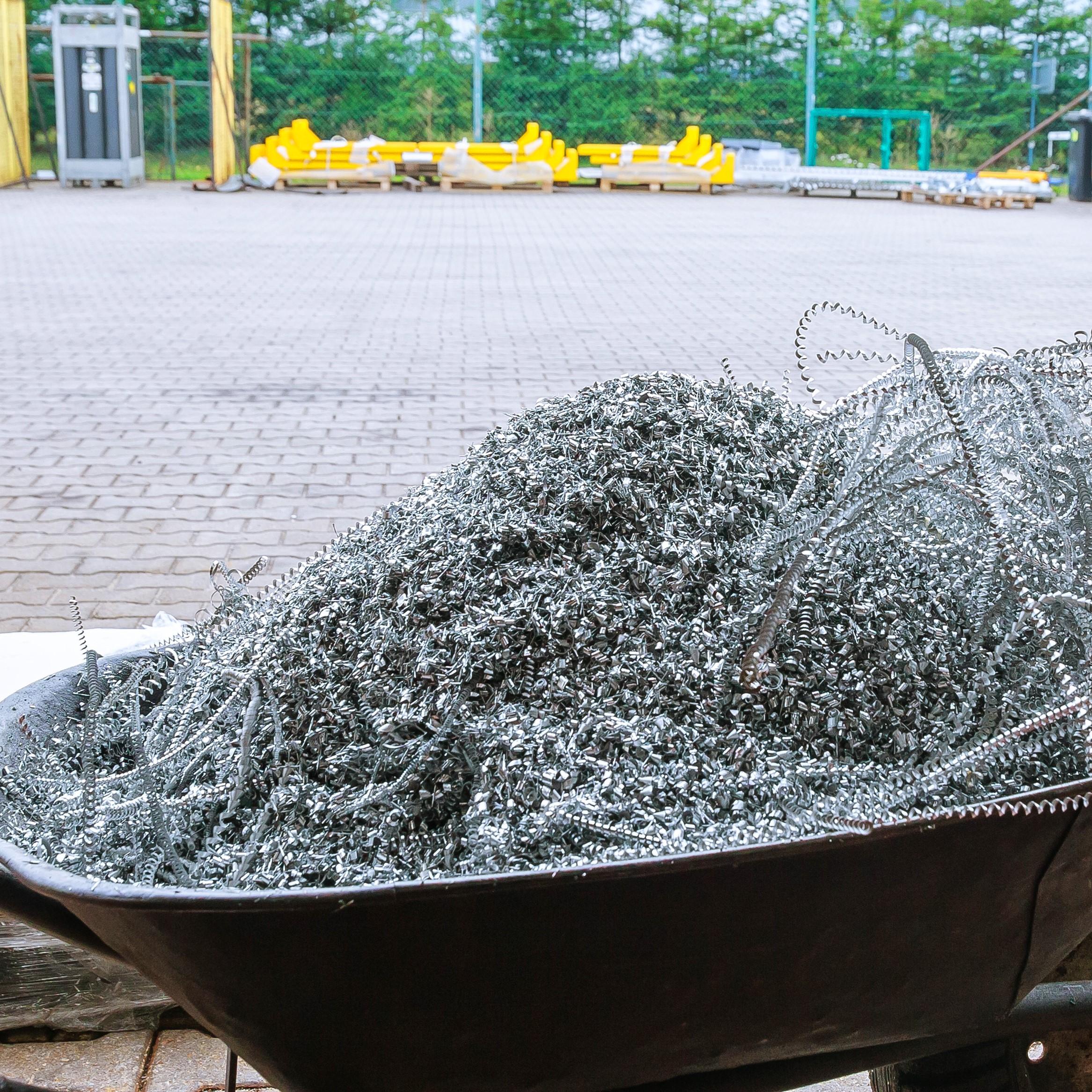 Kivonás alumínium vágásakor